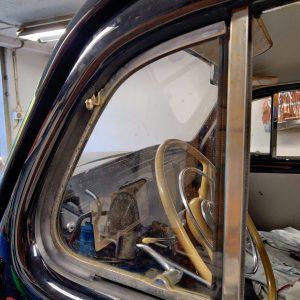 PV830-834, 1949-1958, Främre ventilationsrutelister